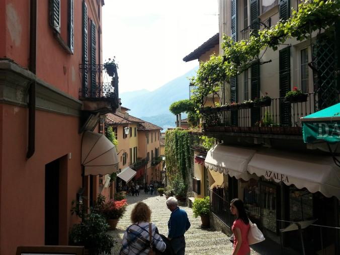 Bellagio street shops stairs sun