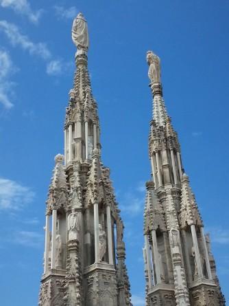 Duomo roof statues Milan