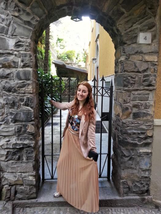 Exploring Bellagio little streets houses