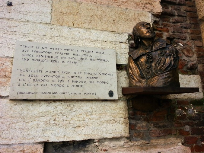 Shakespeare bust and plaque in Verona